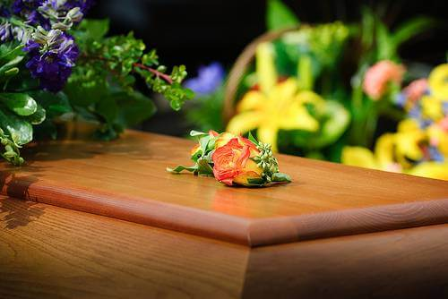 How to Discard Flowers After a Funeral
