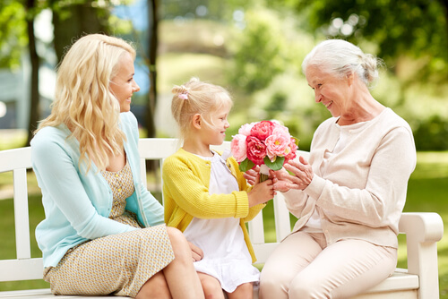 Looking for gifts for this Grandparent's Day? 9 reasons why flowers are your best option