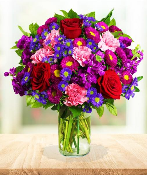 Flowers:_Mixed_Roses_And_Carnations_-_Standard