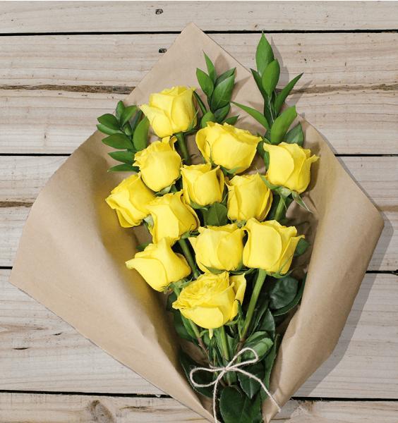 Flowers: One Dozen Yellow Roses