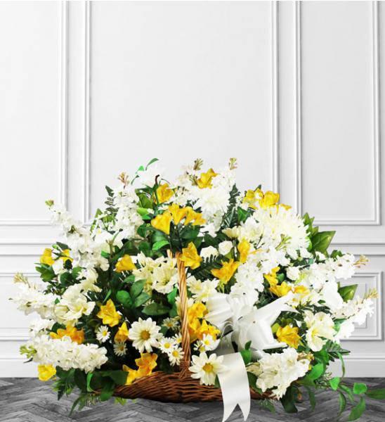 Flowers:_Yellow_Sympathy_Basket_-_Standard